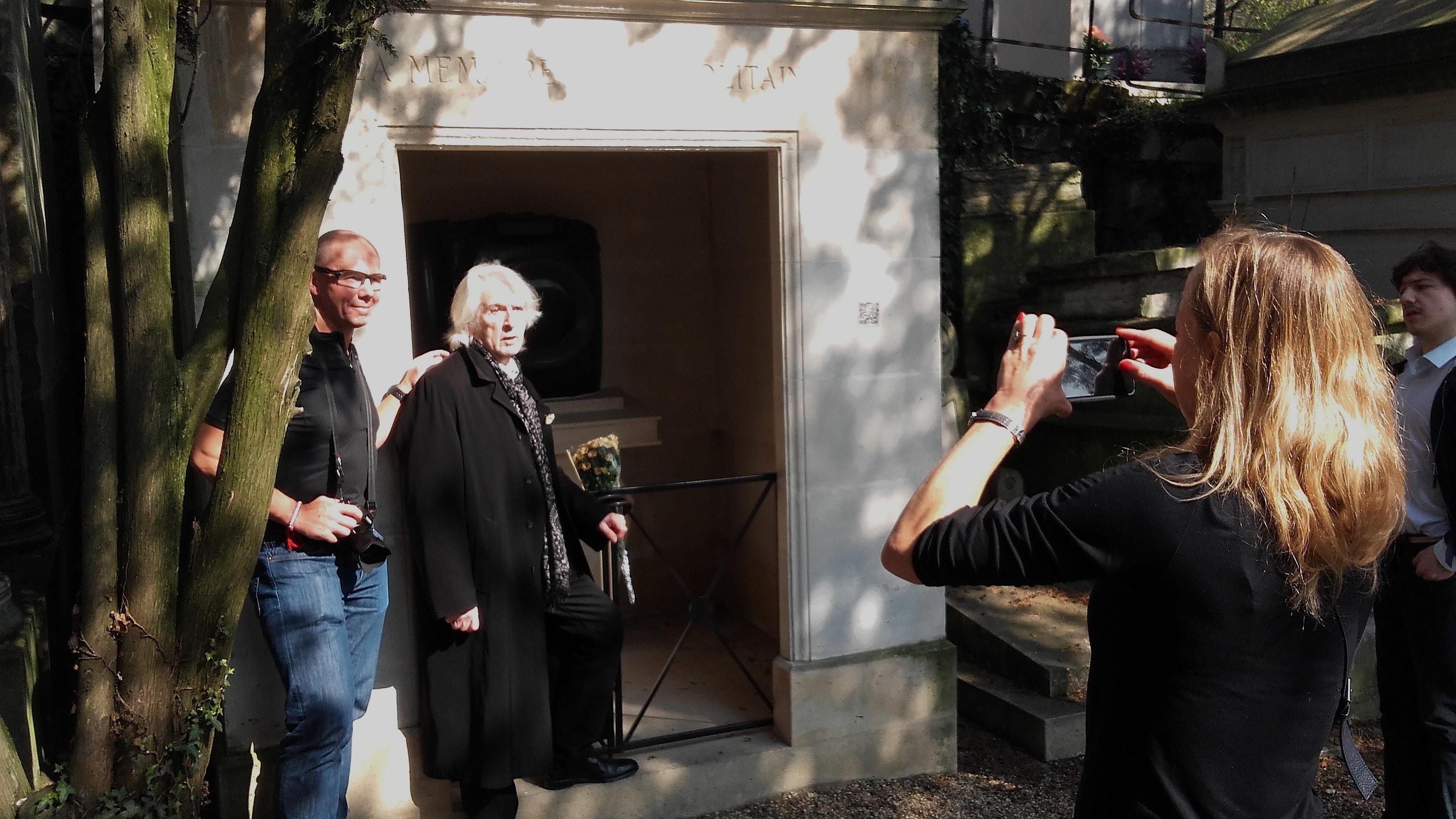 André Chabot fait visiter sa chapelle