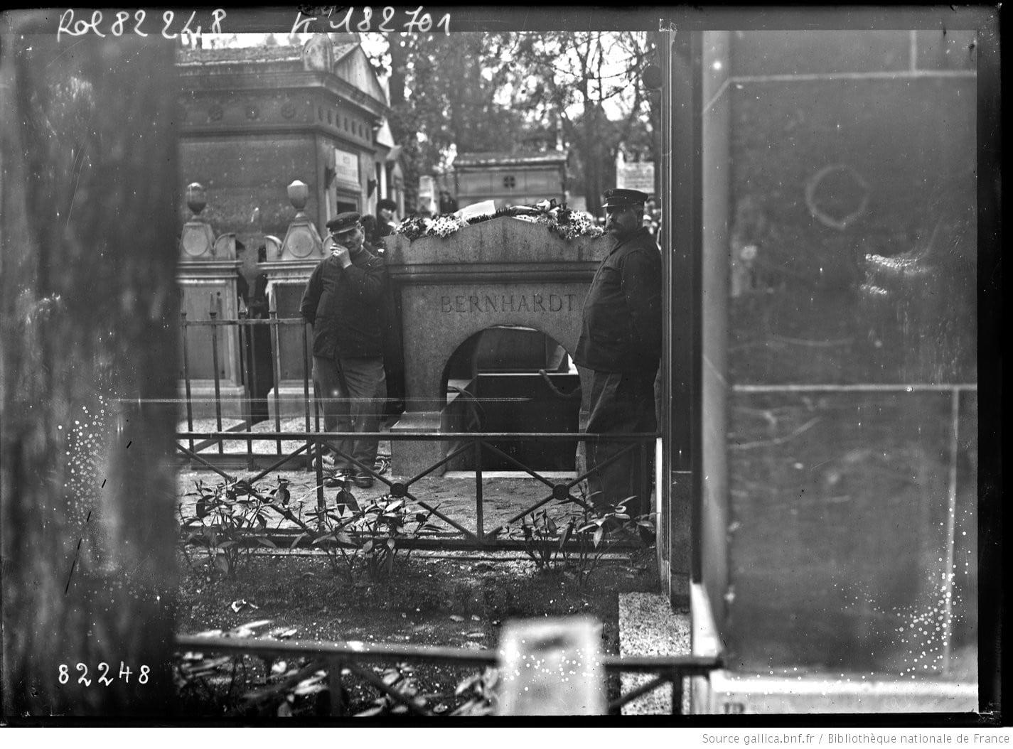 Père Lachaise tombe de Sarah Bernhardt