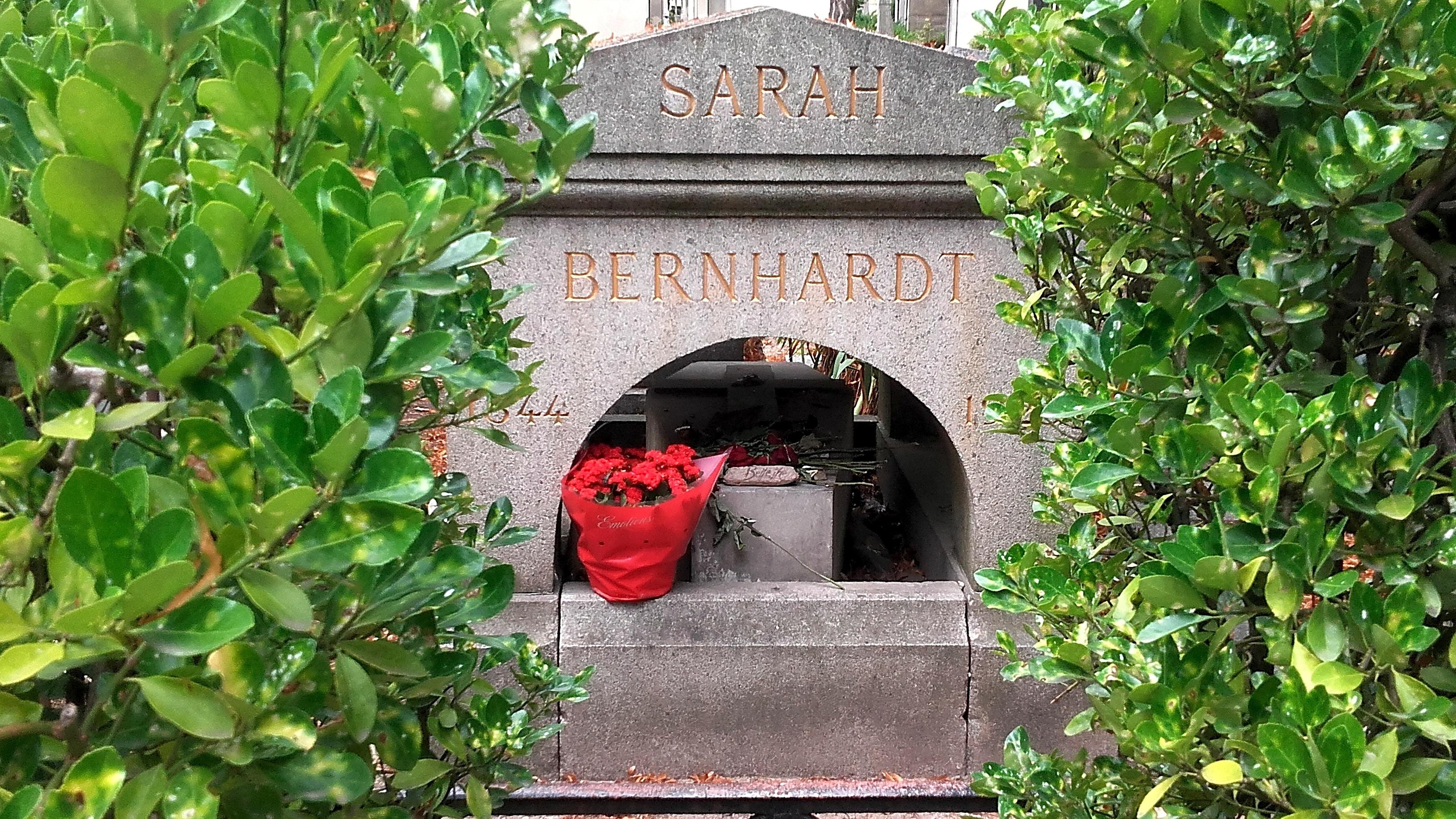 Sarah Bernhardt au Père Lachaise en 2021